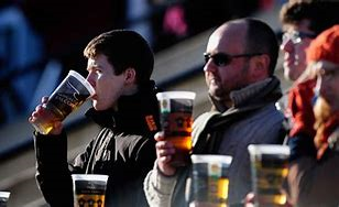 fans drinking